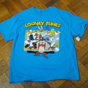 3/$25🧿Looney Tunes Shirt